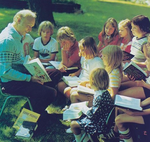 Dr. Taylor reading to children